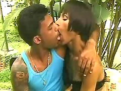 Ebony shemale fucking guy in natura