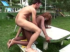 Guy hard fucks ebony tranny outdoor